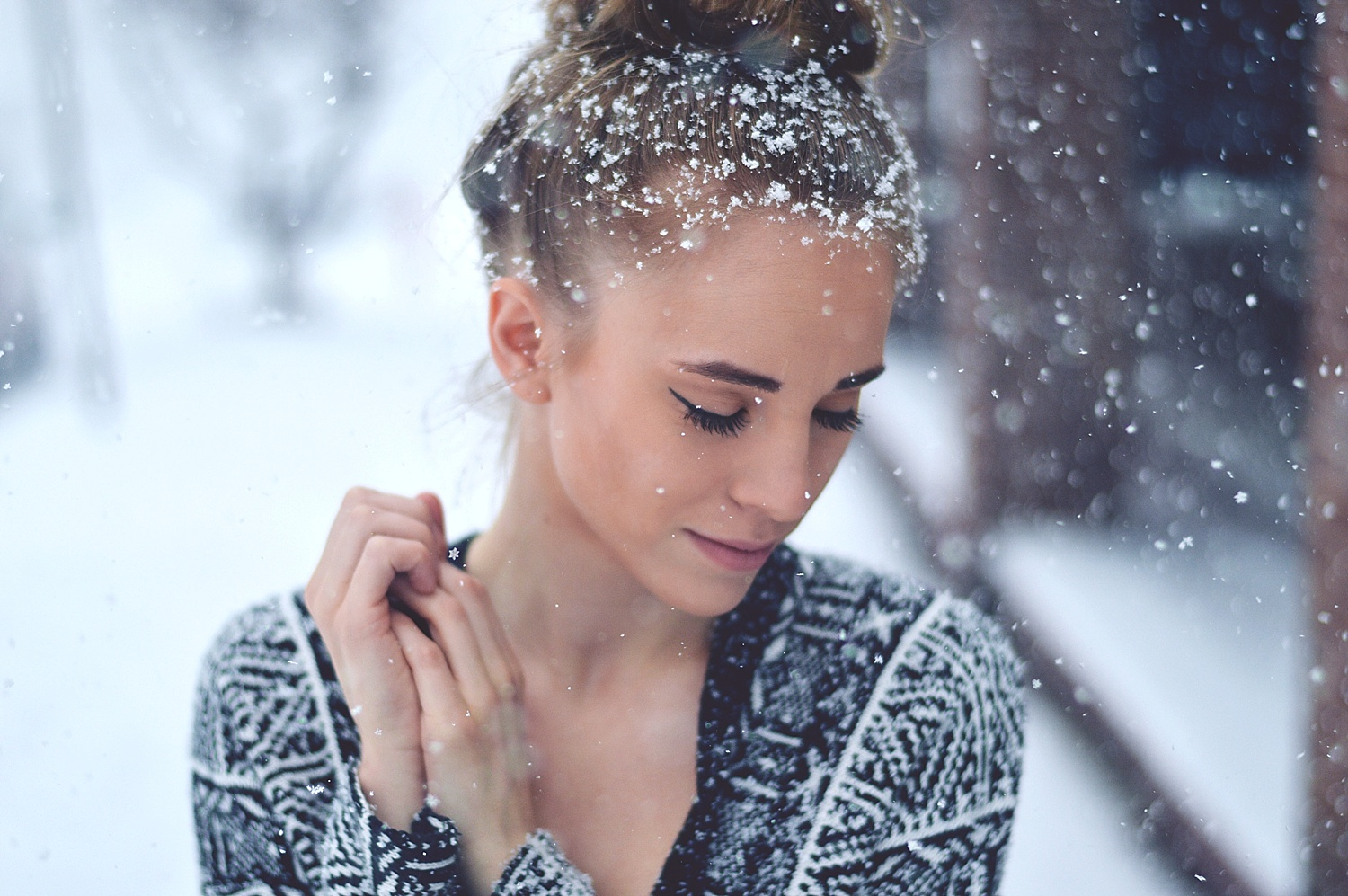 Rachael Burgess Fashion Blogger playing in the snow