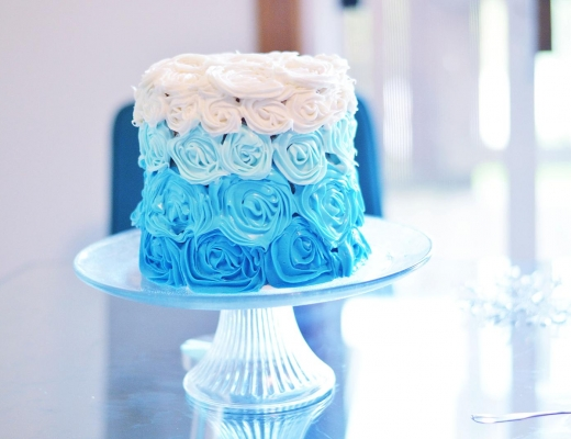 Easy DIY Frozen Party Cake, Frozen Party Games & Frozen Party Decorations by Rachael Burgess