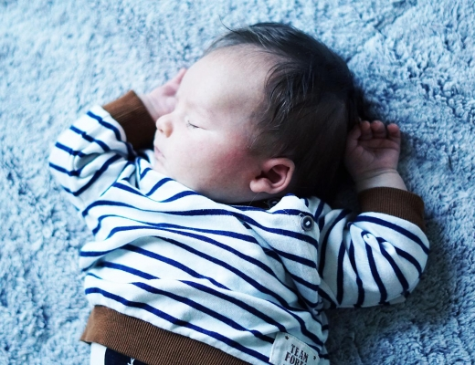 How to get your newborn sleeping through the night, detailed schedule by Rachael Burgess